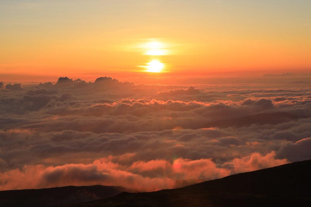 薬師岳山荘からの日の入り