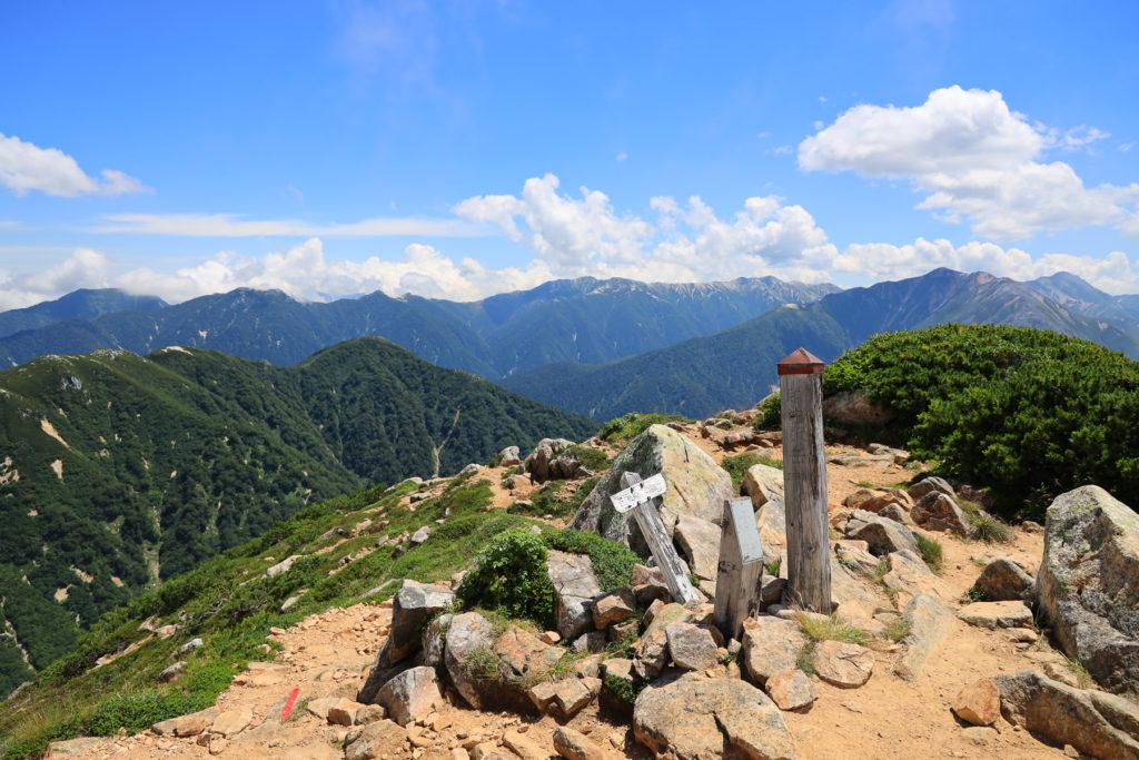 越中沢岳山頂